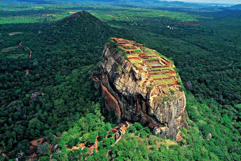 سال گذشته گردشگران چینی بیشتر به سریلانکا سفر کردند