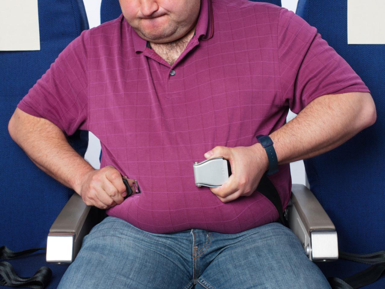 آیا مسافرین چاق باید بلیط پرواز را گرانتر تهیه کنند؟