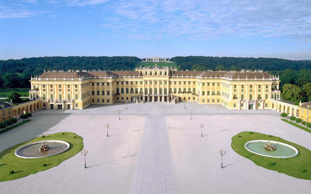 کاخ شون برون وین (اتریش)