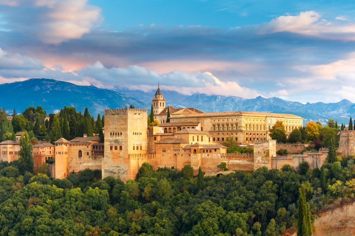 کاخ الحمرا گرانادا (اسپانیا)