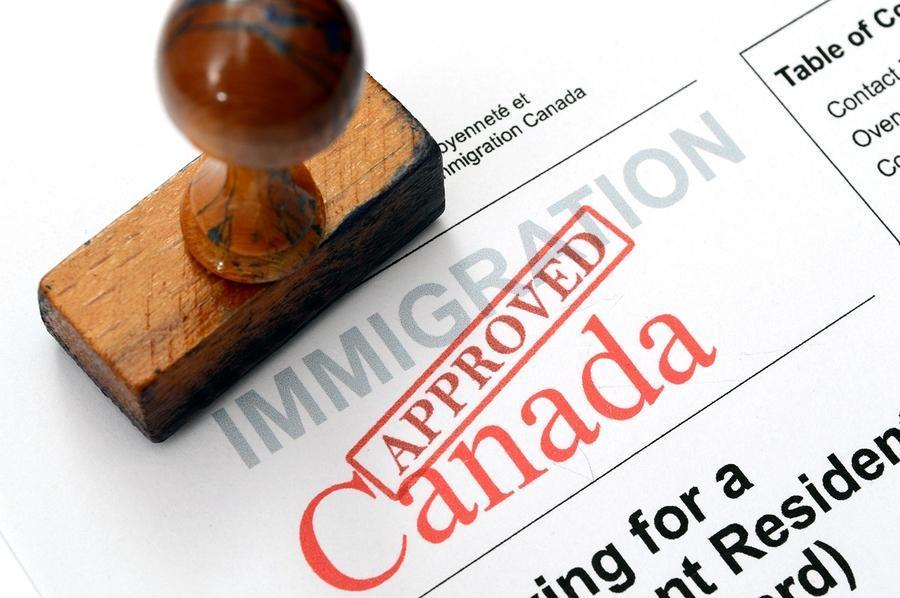 برای دریافت ویزای توریستی کانادا چه شرایطی ضروری است؟