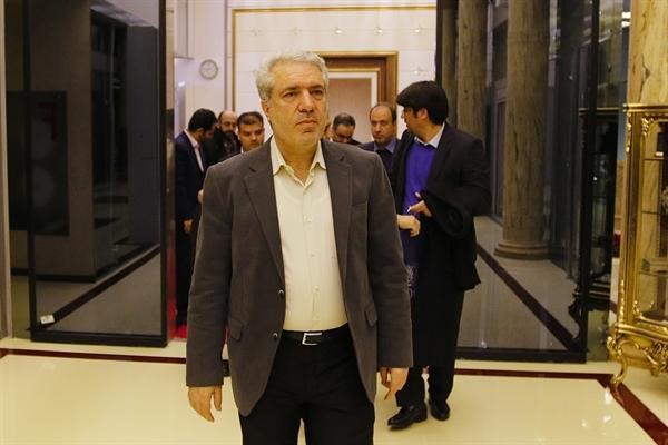 مونسان، تهران را به مقصد مادرید ترک کرد