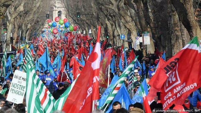 اعتراض گسترده مردم ایتالیا به سیاست های دولت پوپولیست