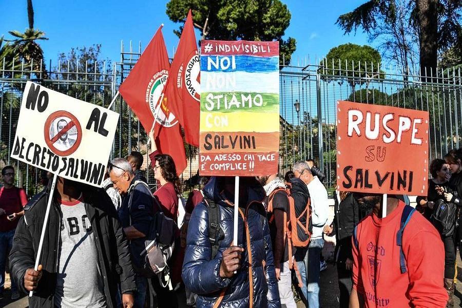 ایتالیایی ها علیه نژاد پرستی تظاهرات کردند