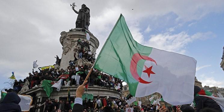 چهارمین جمعه تظاهرات در الجزائر و شعار علیه رئیس جمهور فرانسه