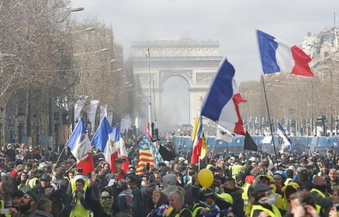 پلیس فرانسه 192 معترض را در پاریس بازداشت کرد