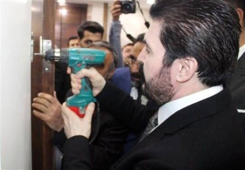 تمامی درب های یکی از شهرداری های ترکیه از جا کنده شد