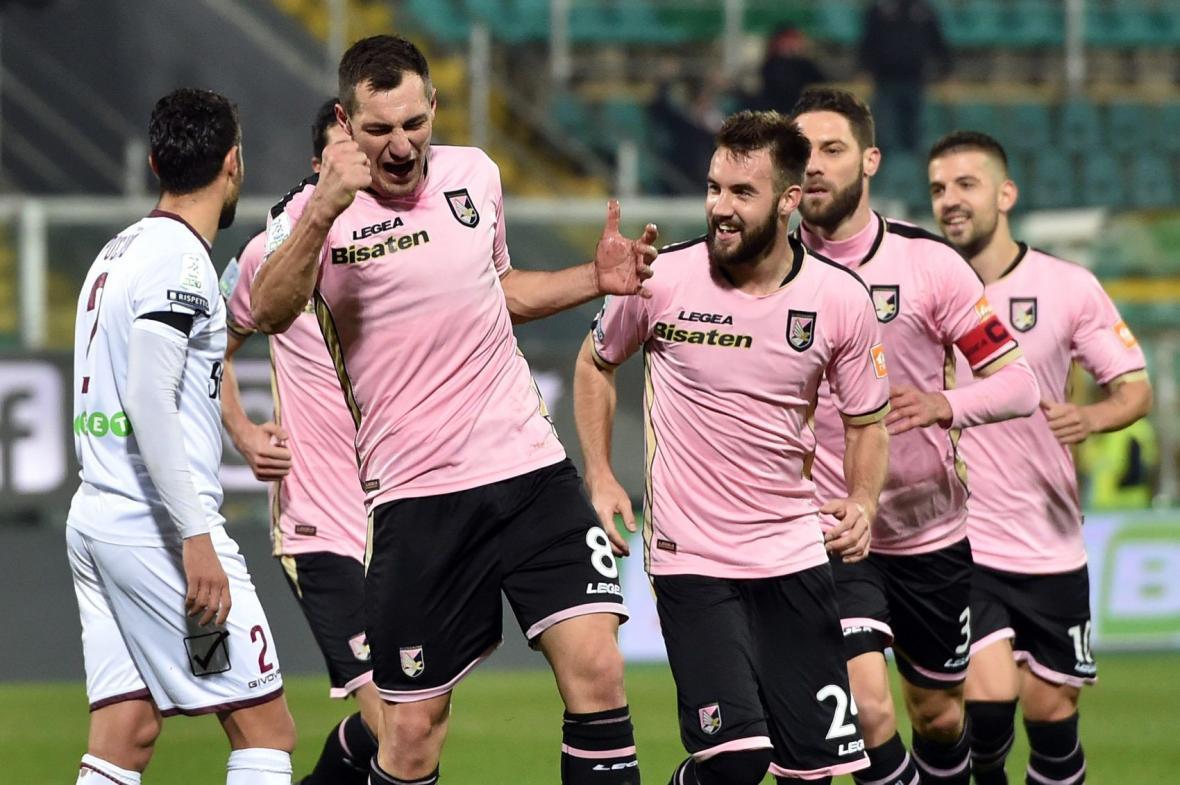 فدراسیون فوتبال ایتالیا باشگاه پالرمو را نقره داغ کرد