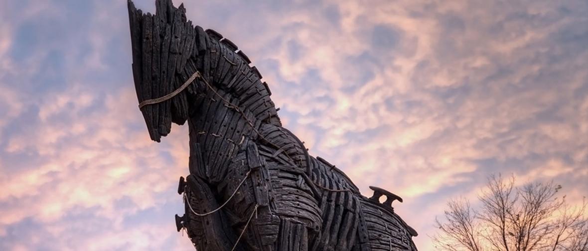 فرانسه اسب تروای آمریکا در اتحادیه اروپا است