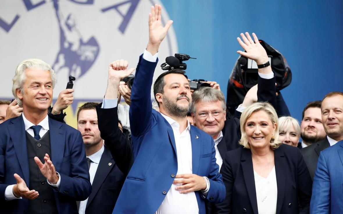 نوسان در راست افراطی اروپا؛قدرت نمایی درایتالیا،زوال دراتریش