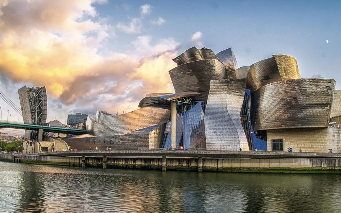 موزه گوگنهایم بیلبائو (اسپانیا)
