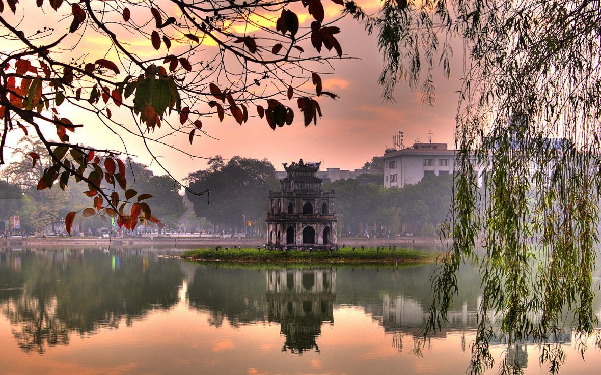 دریاچه هوان کیم هانوی (ویتنام)