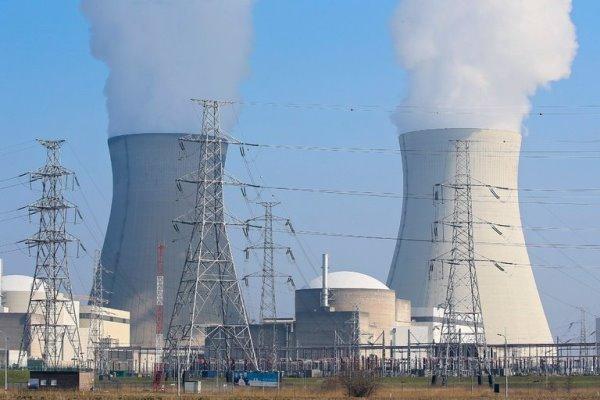 توافق روسیه و فرانسه برای همکاری هسته ای صلح آمیز
