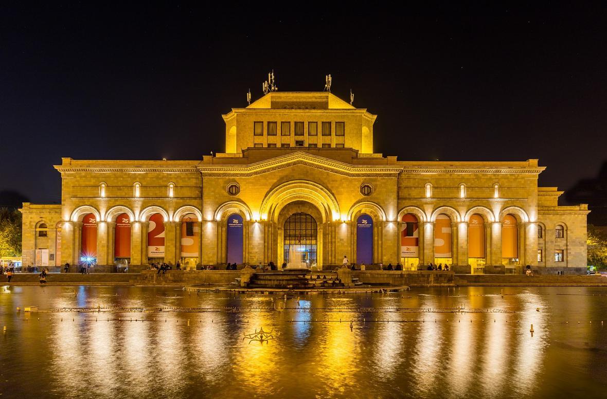 میدان جمهوری ایروان (ارمنستان)