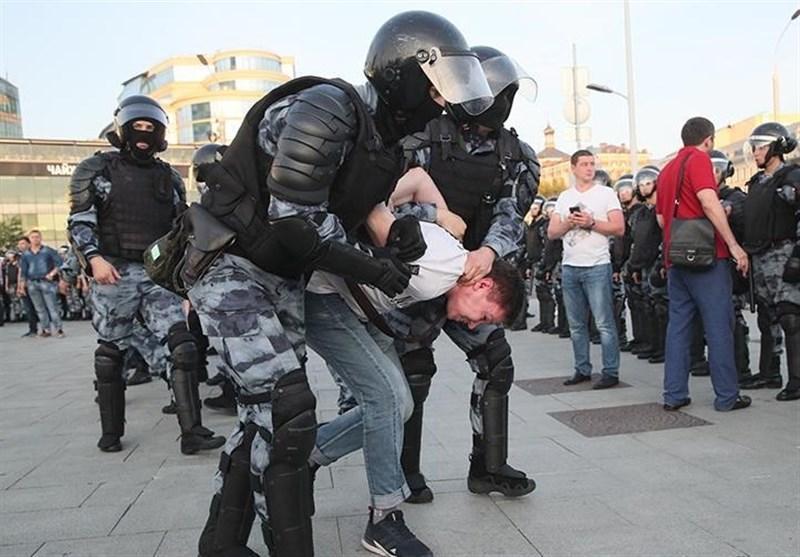 پاسخ روسیه به انتقاد فرانسه درباره برخورد پلیس مسکو با معترضان غیرقانونی