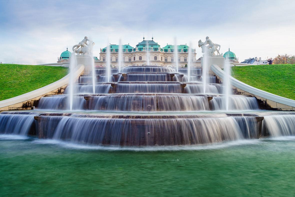 قصر بلودر وین (اتریش)