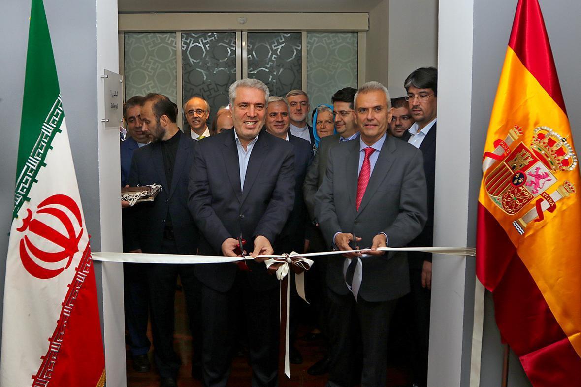 نمایشگاه میراث باستان شناسی اسپانیا با حضور دکتر مونسان افتتاح شد