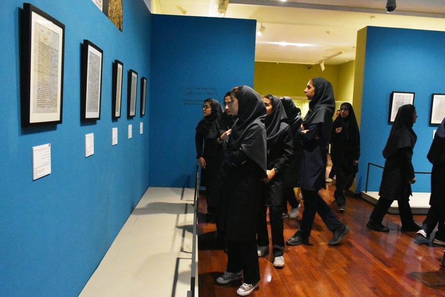 بازدید دانش آموزان از نمایشگاه میراث باستان شناسی اسپانیا رایگان است