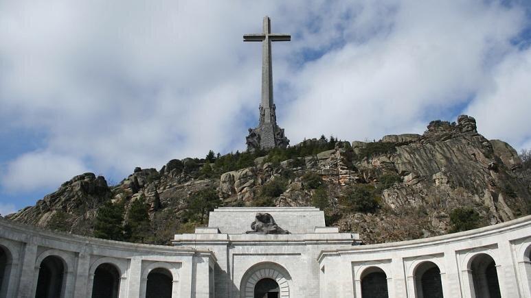 دیکتاتور پیشین اسپانیا نبش قبر می گردد