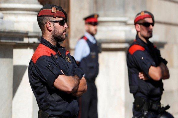 دادگاه اسپانیا حکم بازداشت 3 مقام کاتالونیا را به جریان انداخت