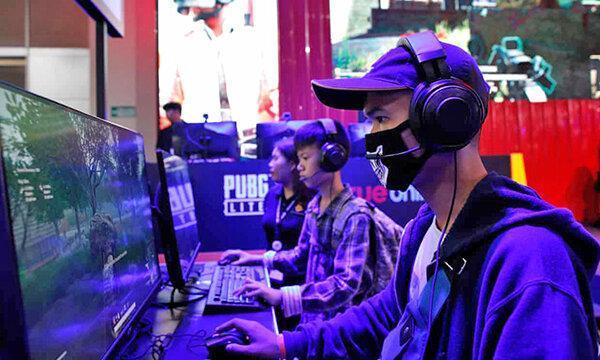 فقط 90 دقیقه در روز ، کوشش چین برای مبارزه با اعتیاد رایانه ای نوجوانان