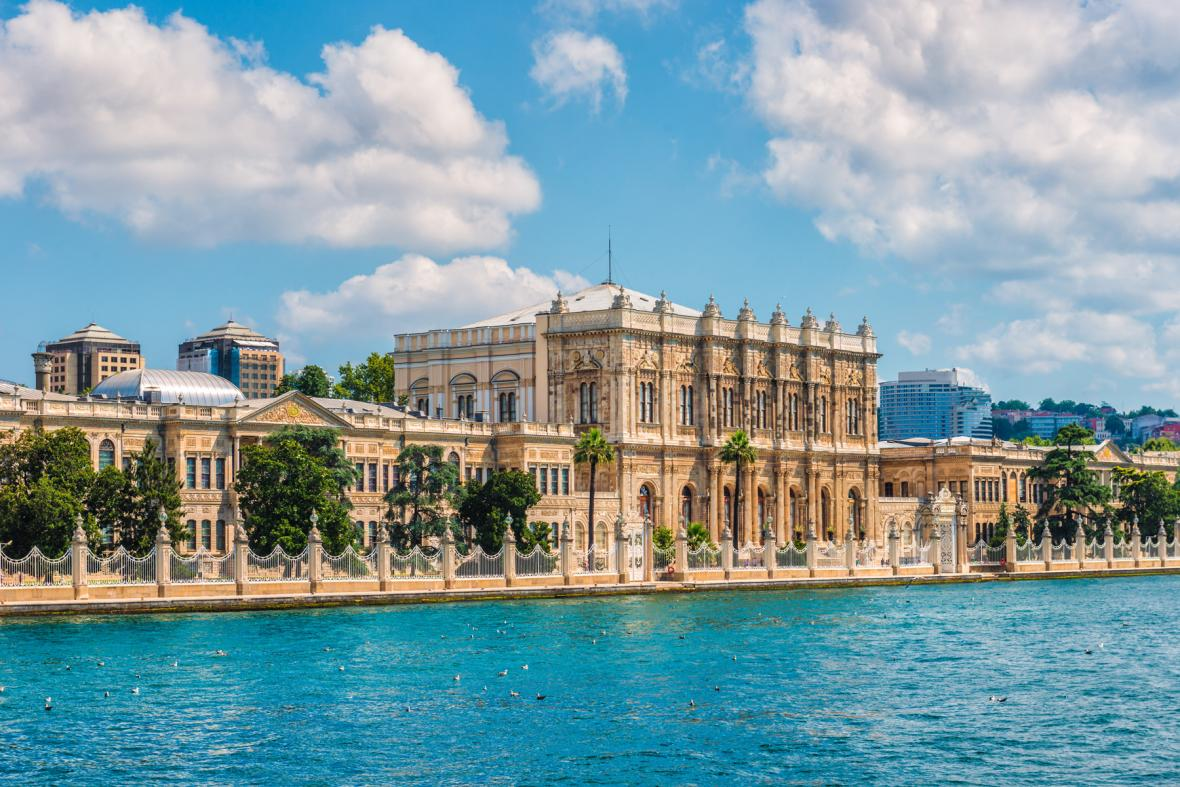 کاخ دولما باغچه استانبول (ترکیه)