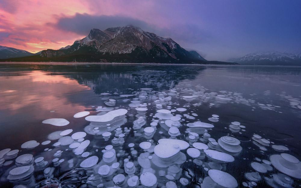 مناظر سورئال دریاچه ابراهیم در کانادا