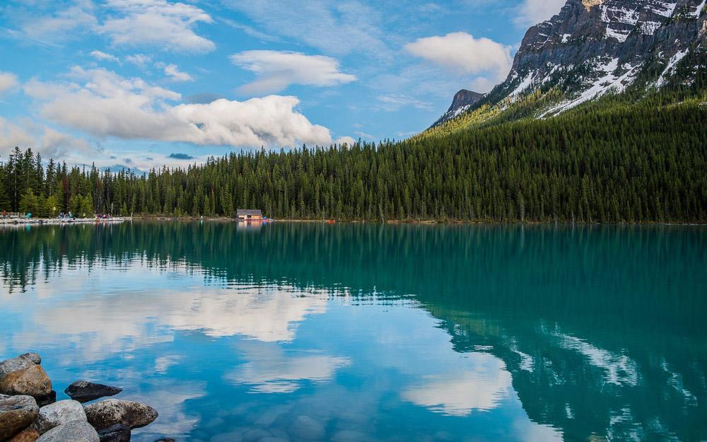 دریاچه لاجوردی کانادا