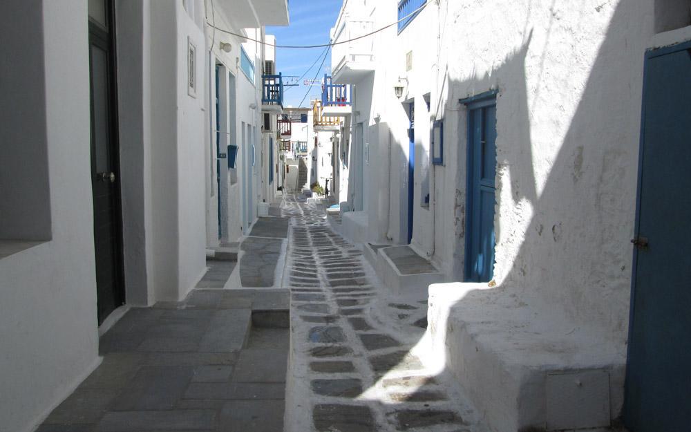 خیابان های خال خال میکونوس یونان