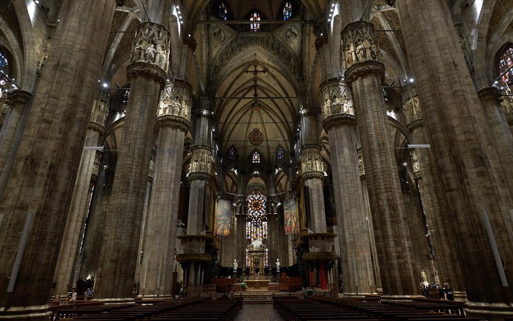 کلیسای جامع میلان، جواهری گوتیک در ایتالیا