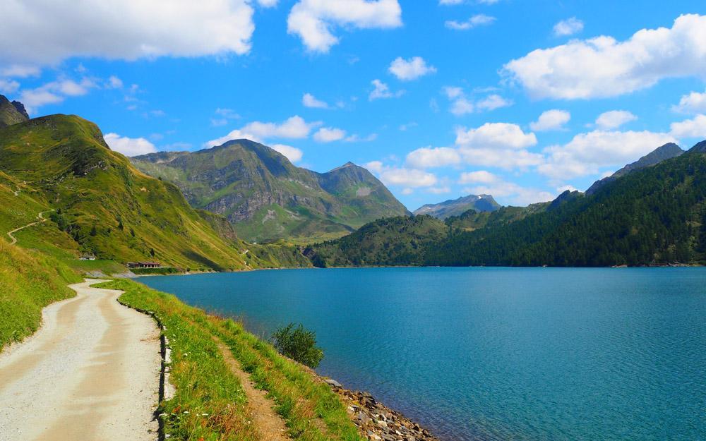 دریاچه های رنگارنگ دره Piora سوئیس