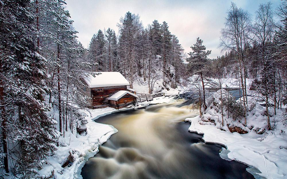 اسکی در پارک ملی اولنکا فنلاند