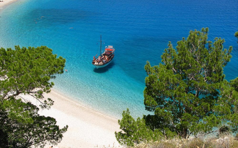 چرا حالا وقت مناسب برای رفتن به تور یونان است
