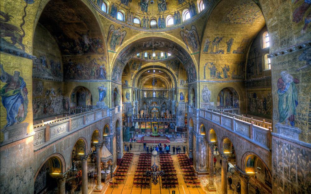 زبان و مذهب ایتالیا