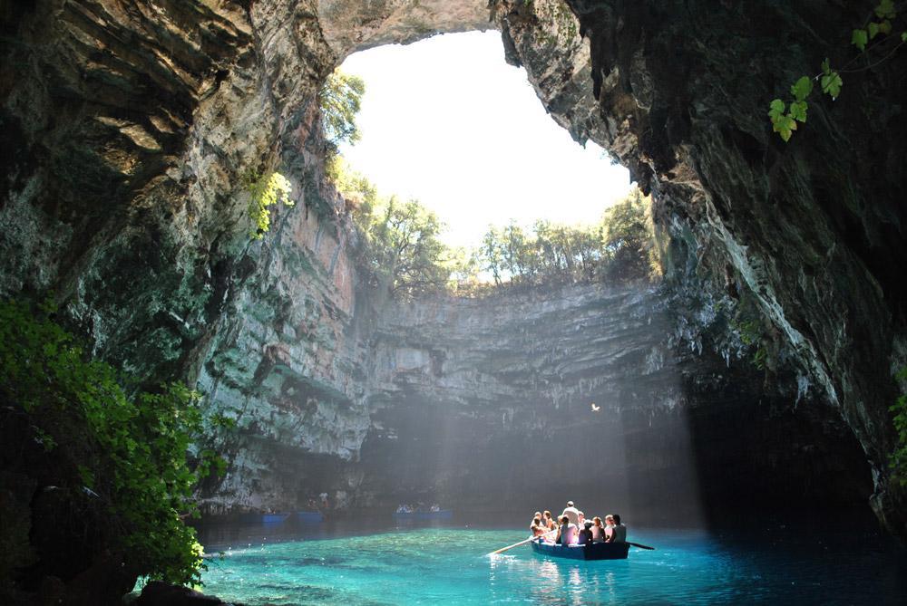 زیباترین و شگفت انگیزترین غارهای جهان