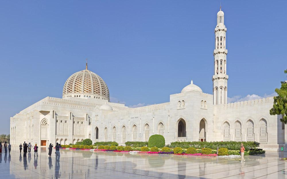 بازدید از مسجد شکوه مند سلطان قابوس در تور عمان