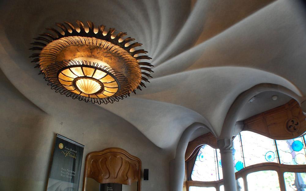 کازا بالیو، خانه ای جادویی در بارسلون
