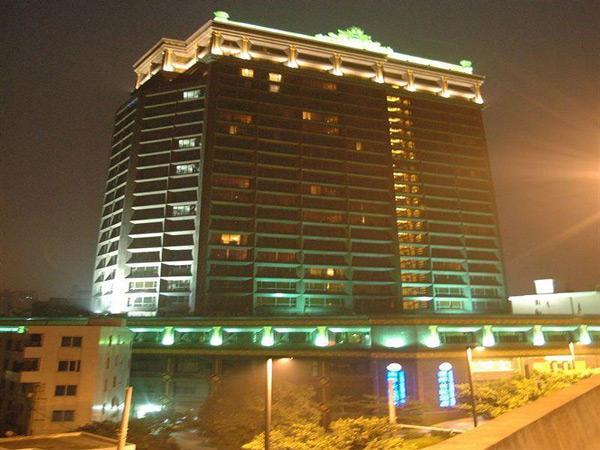 مقایسه هتل های 4 ستاره تورهای چارتر کننده پرواز ماهان، در پکیج تورهای نمایشگاه گوانجو 119 چین در بهار 1395 (قسمت سوم)
