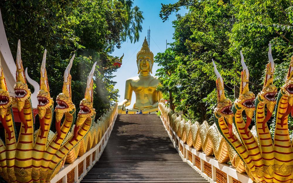 معبد فرا یای پاتایا (تایلند)